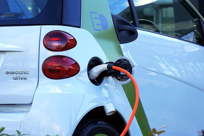 PWR - elektromobilność