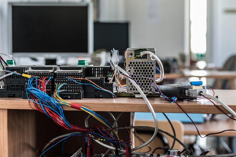 PWR - informatyczne systemy automatyki