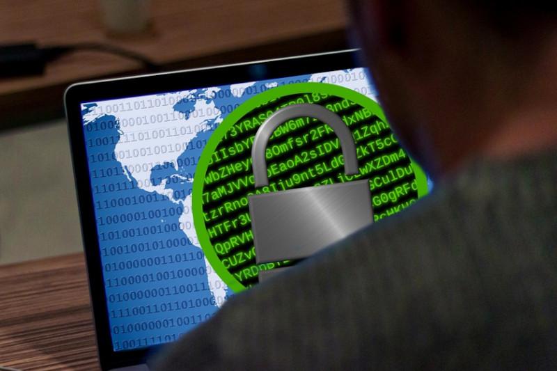 Zarządzanie cyberbezpieczeństwem i niezawodnością w biznesie i w administracji